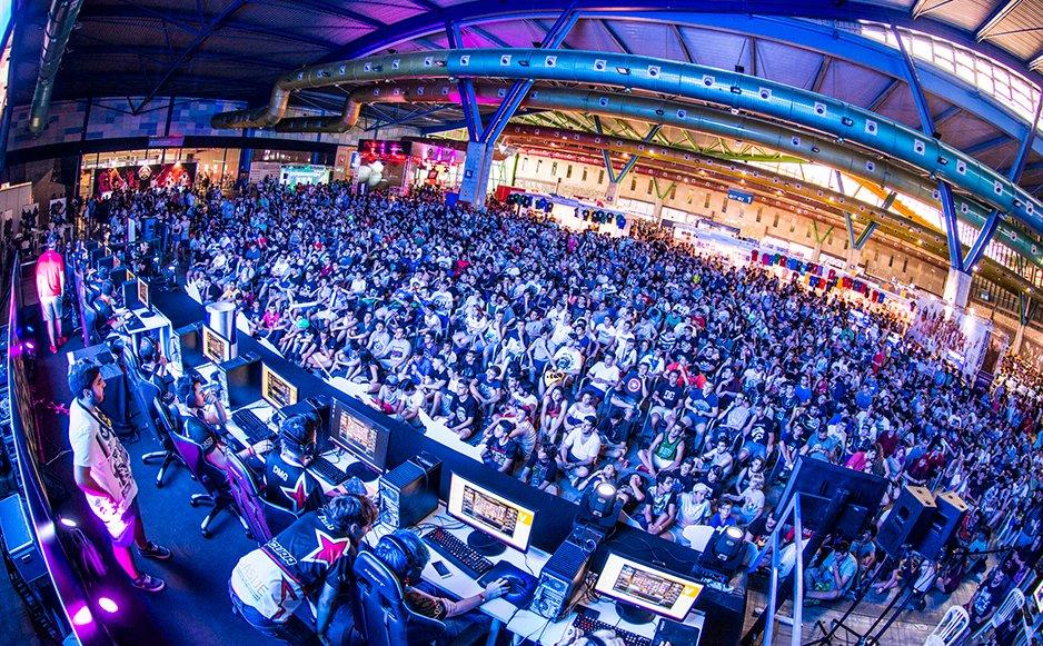 @Gamepolis_org supera los 32.000 visitantes. http://www.playerslevelup.com/gamepolis-supera ……2-000-visitantes/ #Gamepolis
